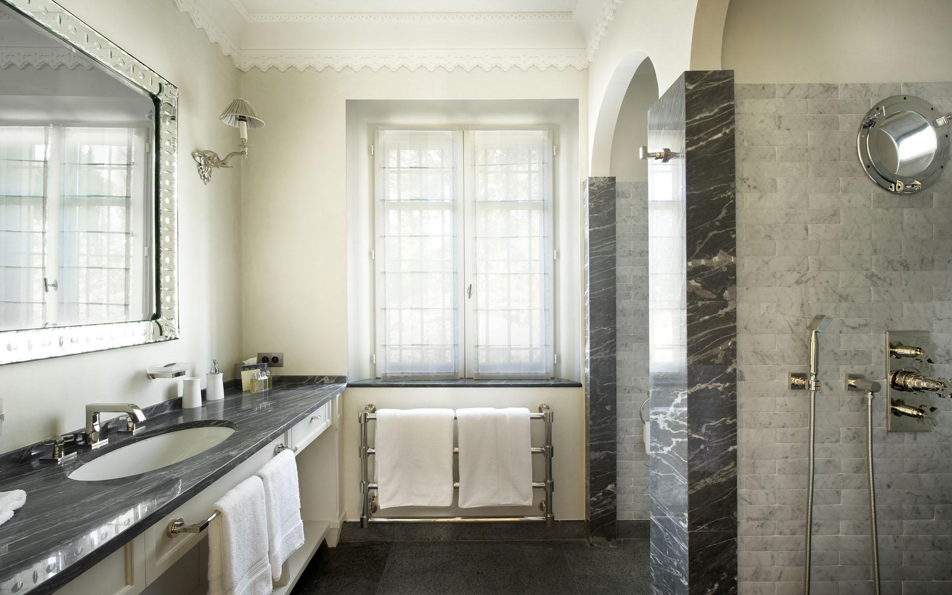 Bath Counters